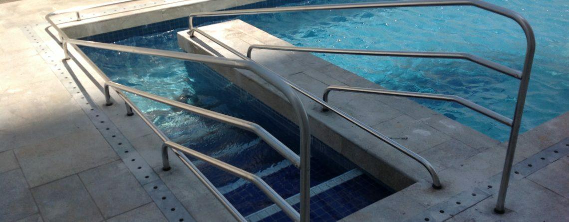 corrimão piscina